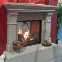 Traditional Mantels and Surrounds