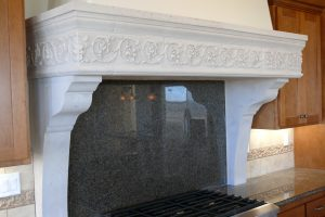 Sonoma Range Hood with Arabesque (1)